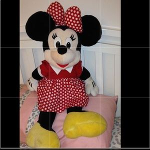 Large Minnie Mouse stuff animal